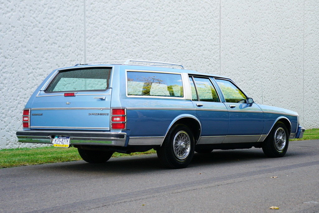 1989 Chevrolet Caprice Classic Station Wagon – Cars Global